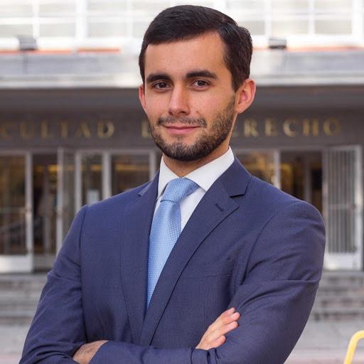 Ser un buen estudiante de Derecho puede tener recompensa: La Historia de  José María Trabada